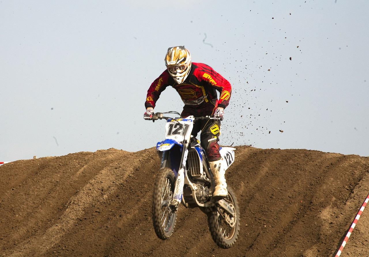 motocross-325661_1280
